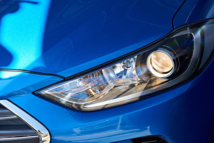 What Is Better 35 Watt Or 55 Watt HID? [Tested & Compared]