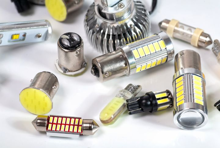 The 7 Best H4 LED Bulbs: Your Ultimate Guide for 2021