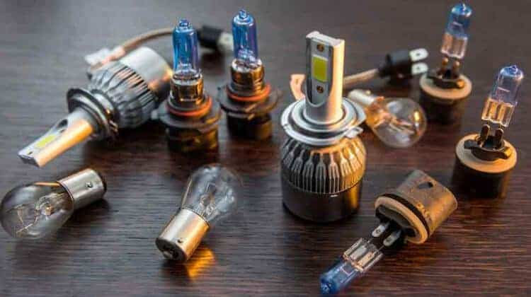 6 Best 9006 Bulbs: Reviews & Ultimate Guide 2020