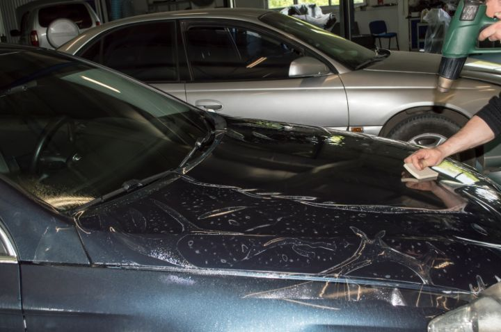 7 Best Glue for Headlight Repair in 2021: Buyer's Guide