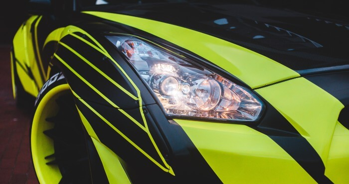 headlight focused on green car