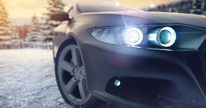Luxury car using D2S Bulb